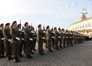 Le cadette, ma la giustizia militare l'ha solo prepensionato