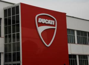 Ducati, con Audi l'aria è cambiata: da Valentino Rossi alle biciclette elettriche