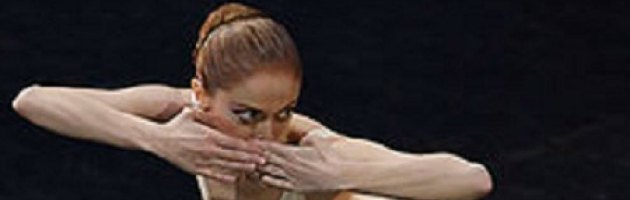 Denuncia i disturbi alimentari nella danza. E il teatro licenzia la ballerina Garritano