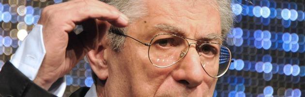 """Tosi: """"Inopportuna candidatura di Bossi a segretario"""". E il Senatùr lancia le primarie"""