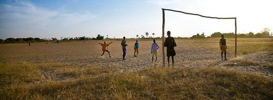 Giovani calciatori africani strappati alle famiglie: la nuova tratta degli schiavi