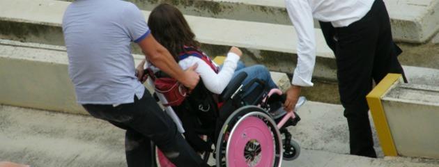 Il governo boccia il fondo per i disabili. L'assistenza a carico delle famiglie