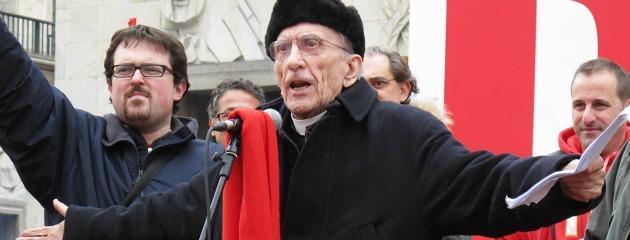 Genova, il cardinal Bagnasco incoraggia il Pdl. Ma i preti di strada sono con Doria