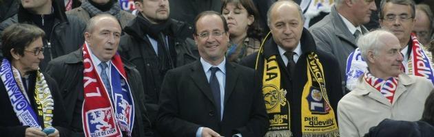 Coppa di Francia con vista sull'Eliseo Sarkò, Hollande e Le Pen 'nel pallone'