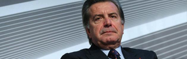 Enel, i piccoli azionisti contro i megastipendi dei manager