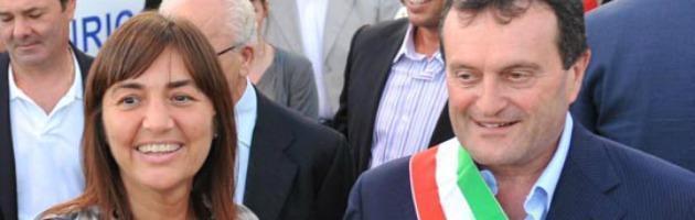 Civitavecchia, 'uomini dell'ex sindaco hanno rubato documenti dal Comune'