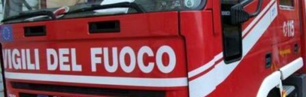 Esplosione causa crollo villetta, tre persone estratte vive a Novate Milanese