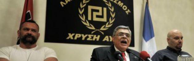 """Grecia, Alba Dorata nega l'Olocausto: """"Dubbi sullo sterminio degli ebrei"""""""