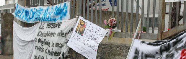 """""""Io non ho paura"""", a Brindisi sfilano in migliaia per Melissa Bassi"""