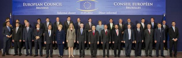 """Vertice Ue: """"La Grecia resti nell'euro"""". Ma i 27 'si preparano' all'uscita di Atene"""