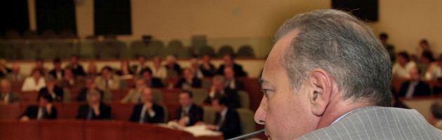 Torino, a giudizio i consiglieri Pd e Pdl che aggredirono in aula i colleghi del M5S