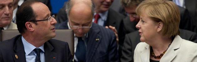 "François va alla ""guerra"" contro Angela: Hollande e i 5 punti per la crescita dell'Ue"