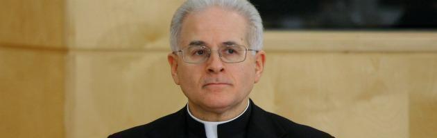 """Chiesa, segretario Cei: """"Vescovo non ha obbligo di denunciare abusi"""""""