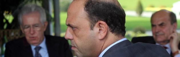 Monti a sorpresa convoca Alfano, Bersani e Casini. Pronta mozione per il premier