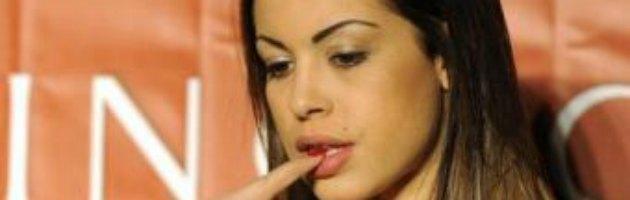 """Processo Ruby, Imane Fadil: """"Foto di natura sessuale con Silvio e Ruby"""""""