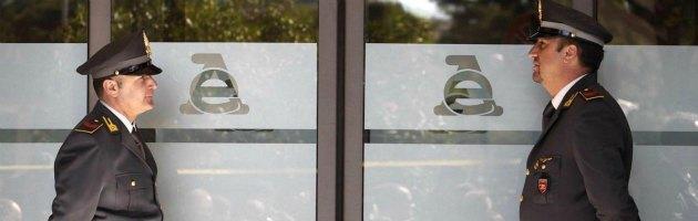 Lamezia Terme, bomba contro il nuovo ufficio dell'Agenzia delle Entrate