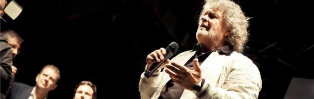 """Grillo contro tutti: """"C'è un plotone di esecuzione per abbattere il Movimento"""""""