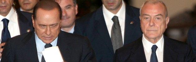 Consensi in calo e ultimatum di Casini: Pdl ingovernabile anche per Berlusconi