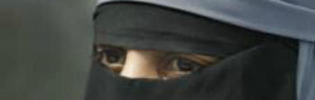 Torino, la procura chiede archiviazione per donna egiziana che indossa il burqa