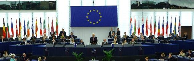 """Debiti di stato, la Commissione europea: """"Non firmiamo assegno in bianco"""""""