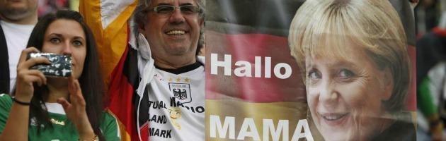 Euro 2012 –  Germania travolgente, vola in semifinale sotto gli occhi della Merkel