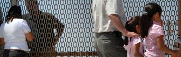 """Arizona contro l'immigrazione: """"Arresti possibili anche senza mandato"""""""