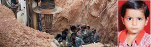 India, morta la bambina caduta in un pozzo di 25 metri