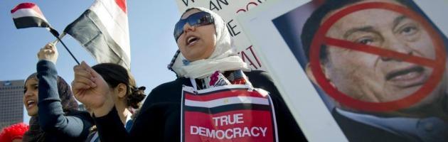 """Egitto, mistero sull'agonia di Mubarak. """"Voci sulla morte per distrarre la gente"""""""