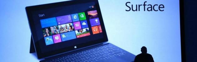 Microsoft sfida iPad e lancia il suo tablet, tra inchiostro digitale e porte usb