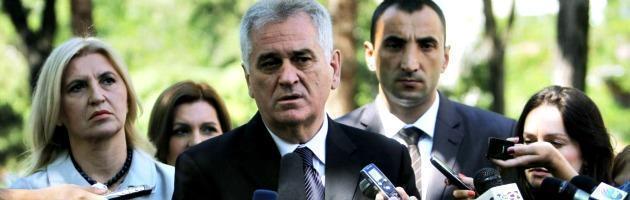 """Serbia, Nikolic gela l'Unione Europea: """"Srebrenica? Non fu un genocidio"""""""