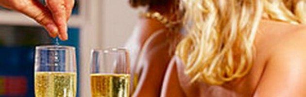 """Milano, Finanza sequestra """"droga dello stupro"""": 22 gli arrestati"""