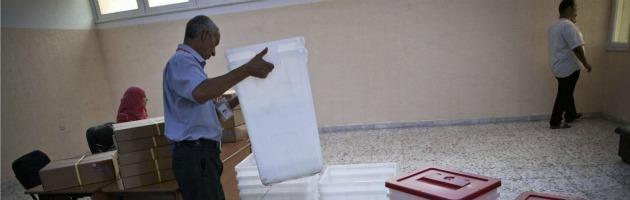 Libia, si aprono i seggi dopo 42 anni. Tante speranze e la paura dei ribelli