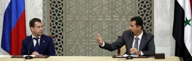 """Russia: """"Assad accetta di partire"""". Tv Stato siriana """"Non è vero"""""""