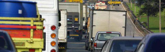 Italia e Germania litigano anche sui limiti delle emissioni di Co2 per le auto europee