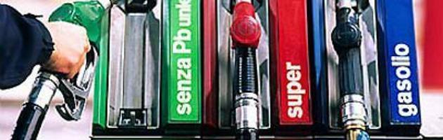 Sciopero benzinai sospeso e rinviato a settembre. Il 4 e 5 agosto pompe aperte