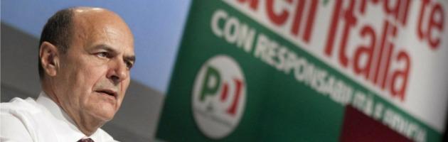 """Bersani insiste: """"Non divagate, da Grillo linguaggio fascista contro il Pd"""""""