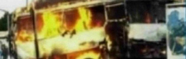 Bulgaria, esplode un bus, morti 7 israeliani. Netanyahu accusa l'Iran