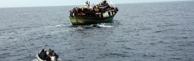 Dalla Libia alla Sicilia e viceversa: all'andata clandestini, al ritorno armi