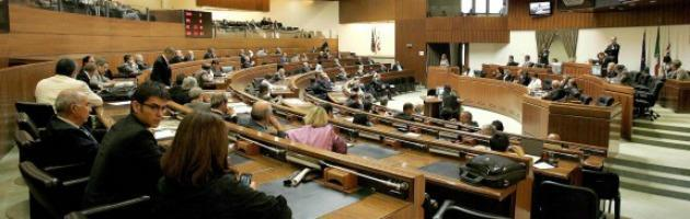 Regione Sardegna, tagliati stipendi dei consiglieri: 2mila euro in meno al mese