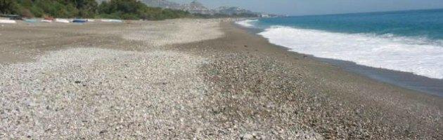 """Catania, 14 lidi su spiaggia incontaminata. Ambientalisti: """"Assalto alle coste"""""""