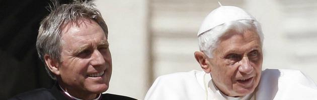 """Vaticano, """"Inchiesta su un cardinale"""". Ma la Santa Sede smentisce: """"Falso"""""""