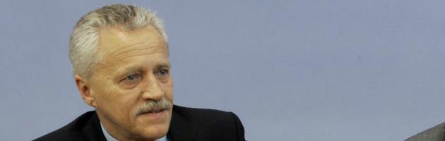Germania, si dimette capo degli 007. Ufficio coprì neonazisti xenofobi