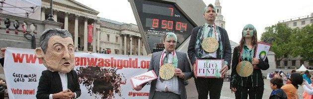 Londra 2012, sketch contro multinazionali sponsor Olimpiadi: sei arresti