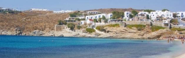 Grecia, la crisi non rovina le vacanze: prezzi più bassi e servizi intatti