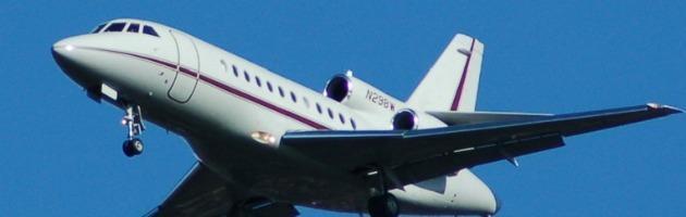 Francia, jet privato si schianta in fase di atterraggio a Le Castellet. Tre morti