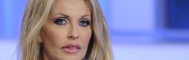 """Paola Ferrari querela Twitter: """"Insultata dagli utenti"""". Ironie della Rete"""