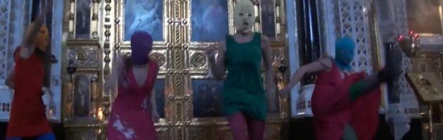 Russia, la girl band anti-Putin finisce sotto processo per il flash mob in chiesa