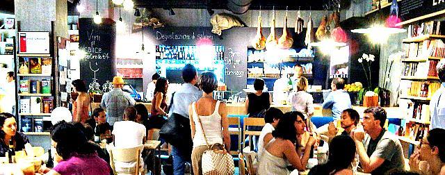 La Feltrinelli Red a Roma, social network dal vivo o supermercato del gusto?