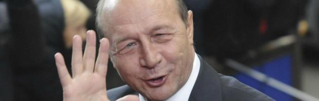 """Romania, il primo ministro vuole destituire il presidente. Ue """"preoccupata"""""""