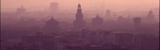 Smog, la procura accusa Formigoni ma nomina un consulente pagato dall'Asl